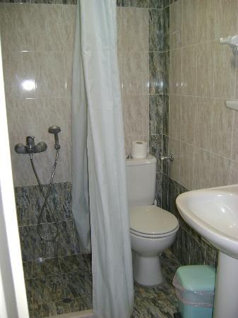 Babis Hotel: bagno