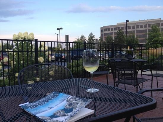 Lobby Breakfast Area Picture Of Hilton Garden Inn Cincinnati Mason Mason Tripadvisor