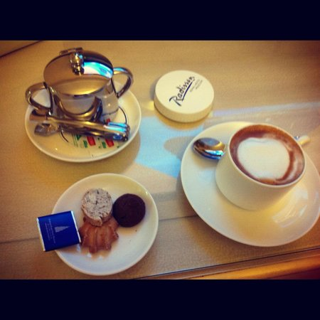Radisson Royal Hotel Moscow: cofe
