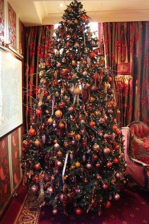 Hotel Estherea: Christmas Tree