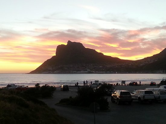 The Hout Bay Hideaway: Sunset at Hout Bay