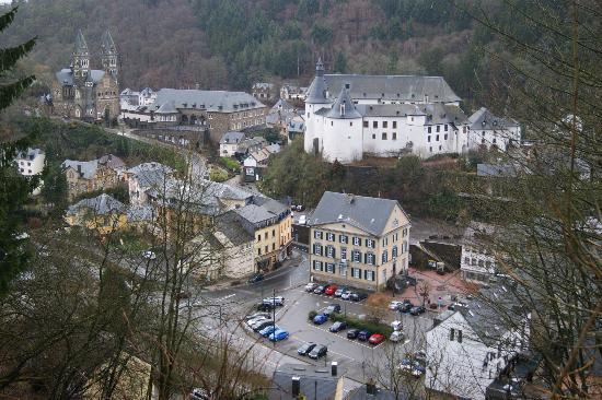 Hotel International : Vue sur Clervaux, très agréable village...