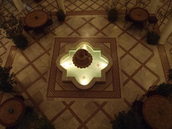 Riad Nasreen: central courtyard