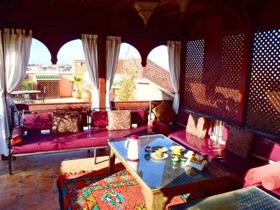 Riad Nasreen : breakfast on the rooftop terrace