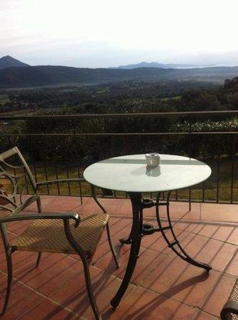 Can Xiquet: terrasse et vue de la chambre