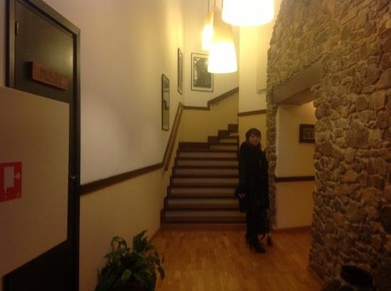 Can Xiquet: couloir menant a la chambre