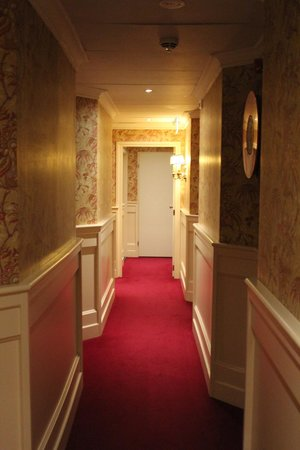 Hotel Estherea: Corridor