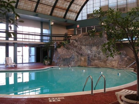 Hotels with indoor pools in chattanooga tn