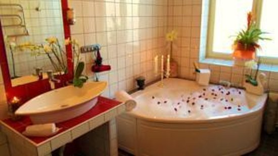 Hotell Lacko: Luxury bathroom