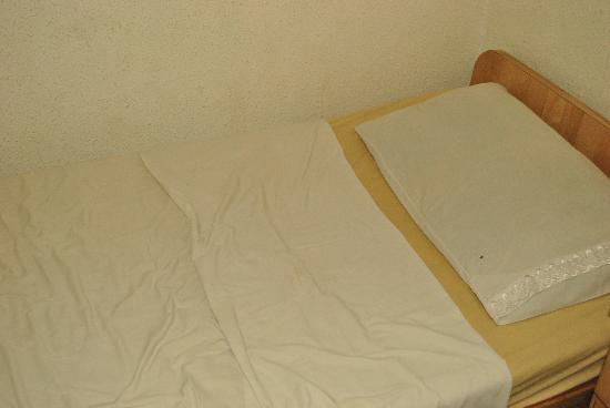 Abbasi Palace: My bed
