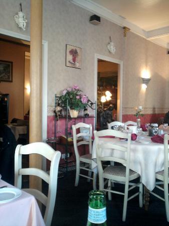 Hotel de La Cloche : Vue intérieure du Restaurant