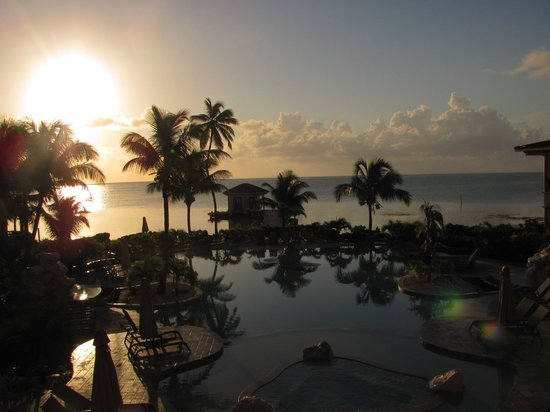 Coco Beach Resort: view from the condo - sunrise