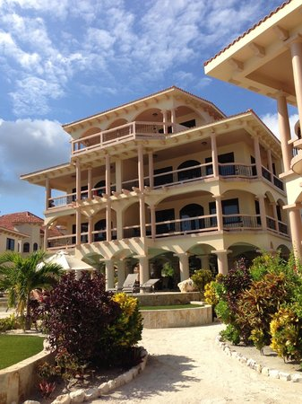 Coco Beach Resort: the condo