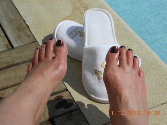 Secrets Huatulco Resort & Spa: The painted toes shot...