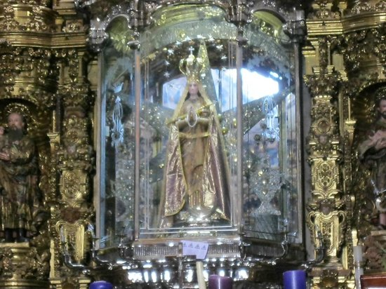 Basílica de Nuestra Señora de Ocotlán: .Is this the Virgen statue discovered in 1541