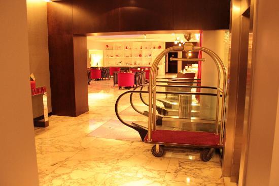 NH Buenos Aires Tango: Lobby