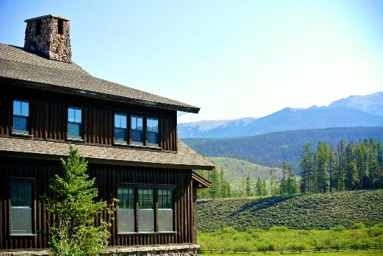 Devil's Thumb Ranch Resort & Spa: The lodge