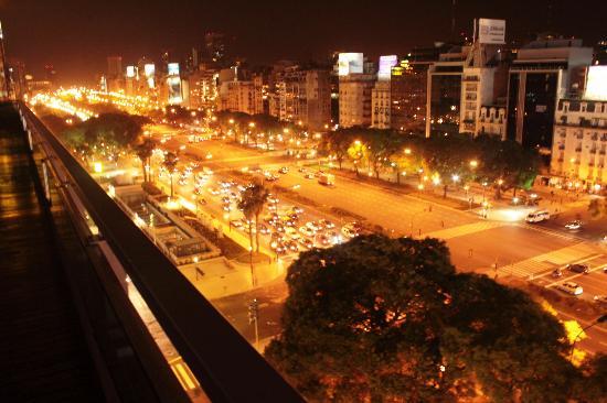 NH Buenos Aires Tango: Night view of 9 de Julio