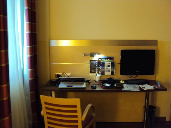 Holiday Inn Express Milan-Malpensa Airport: room
