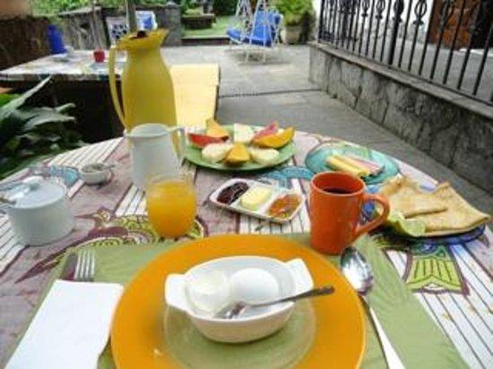 Casa Beleza: Breakfast 