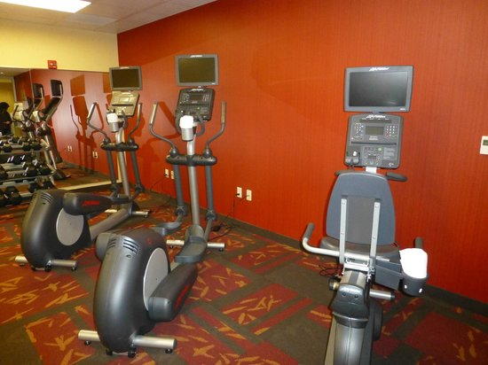 Courtyard Lincoln Downtown/Haymarket: top notch exercise room