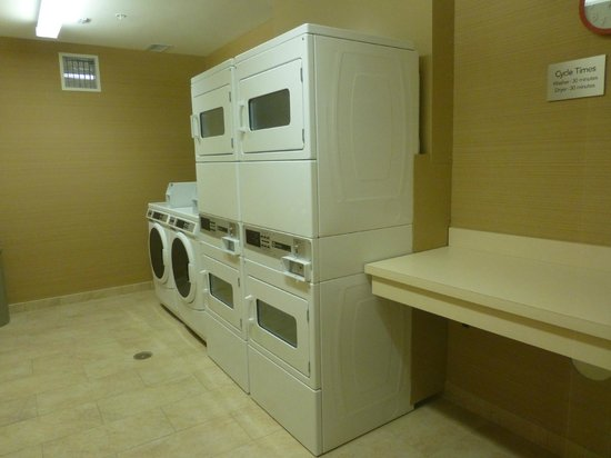 Courtyard Lincoln Downtown/Haymarket: laundry facilities!