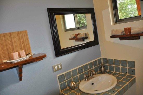 Tiriguro Lodge: Salle de bain Colibri