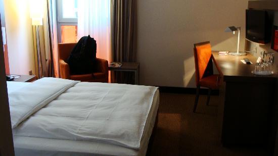 InterCityHotel Berlin-Brandenburg Airport: Room