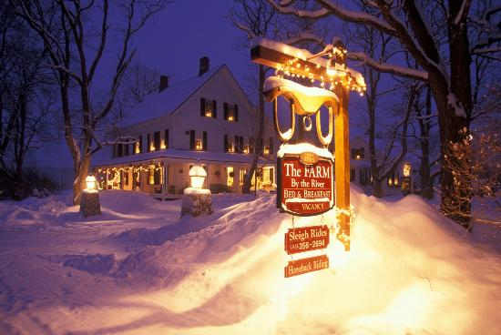 Farm by the River Bed and Breakfast with Stables : Authentic New England B&B- 70 scenic acres - sleigh & winter horseback rides, snowshoeing on-sit