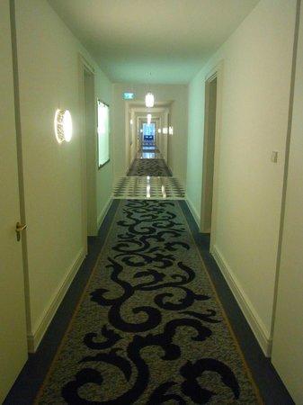 Hotel Atlantic Kempinski Hamburg: Gang 3. Etage