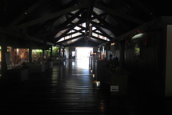 Solomon Kitano Mendana Hotel: Hotel lobby