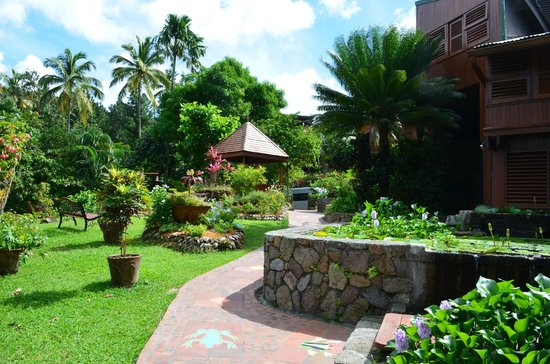 Ladera Resort: Ladera grounds