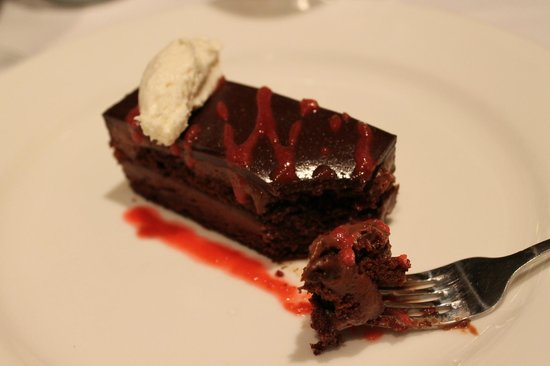 Black Star Farms: Chocolate mousse cake