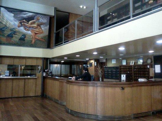 Bauen Hotel: Vista del área de recepción