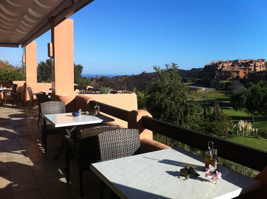 El Soto de Marbella Restaurant: Nice terrace with great views