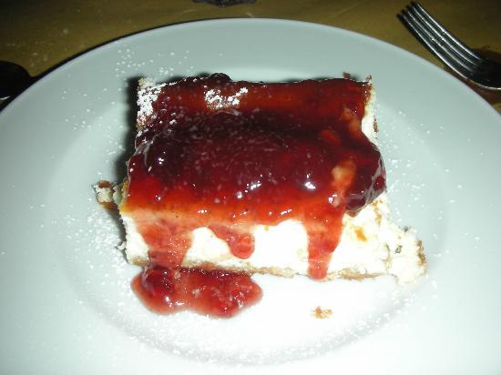 Podere Borgaruccio: Cheese cake con marmellata di fragole calda