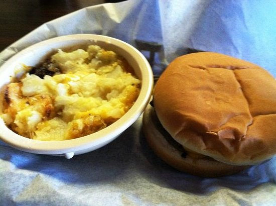 Riner, VA: Buffalo Burger Special with Potato Casserole