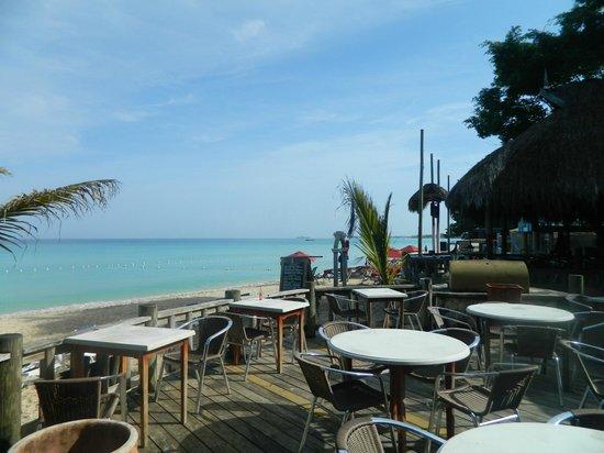 Kuyaba Hotel & Restaurant - Negril: comedor con vista playa