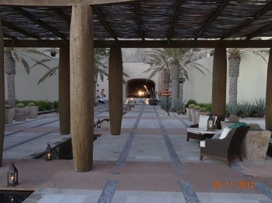 The Resort at Pedregal: lobby