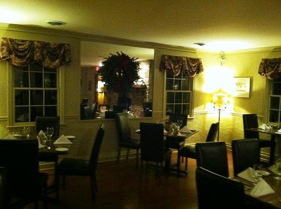 Chateau Morrisette: Dining room