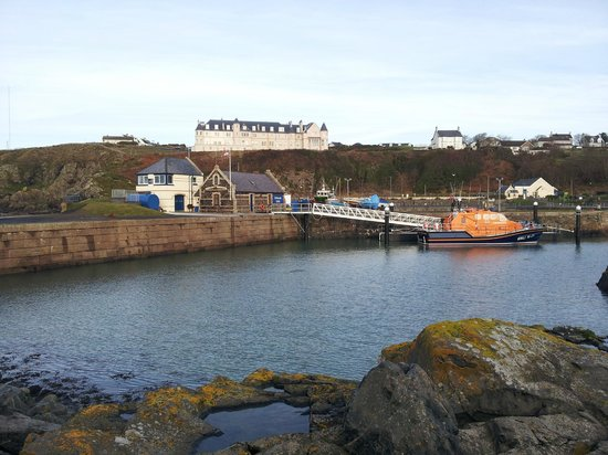 The Portpatrick Hotel: View of hotel from harbour