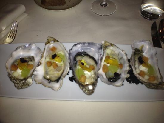 Hotel Le Burgundy: huîtres aux pommes granit