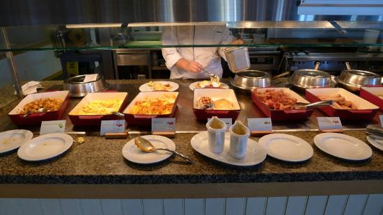 The Westin Resort & Spa, Whistler: Buffet breakfast