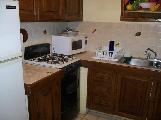 Lindo Mar Resort: Two bedroom suite kitchenette