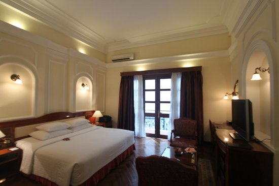 Hotel Majestic Saigon: Spacious room