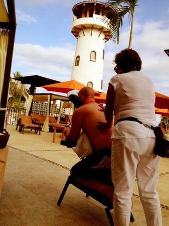 Tesoro Los Cabos : Massage pool-side