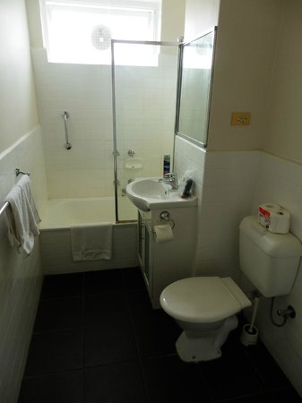 Armadale Serviced Apartments: Bathroom