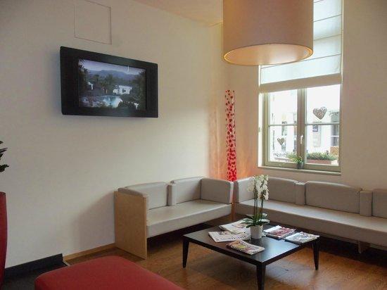 Ibis Brugge Centrum: Sala de estar