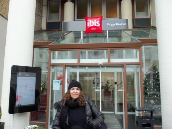 Ibis Brugge Centrum: Entrada del hotel