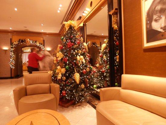 Lobby at Hotel Metro
